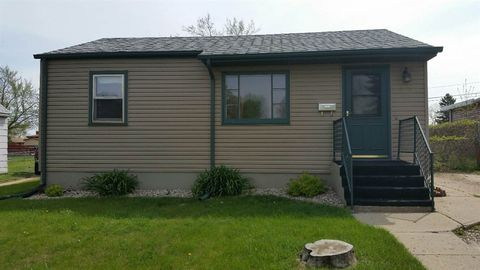1221 Sw 6th St, Minot, ND 58703