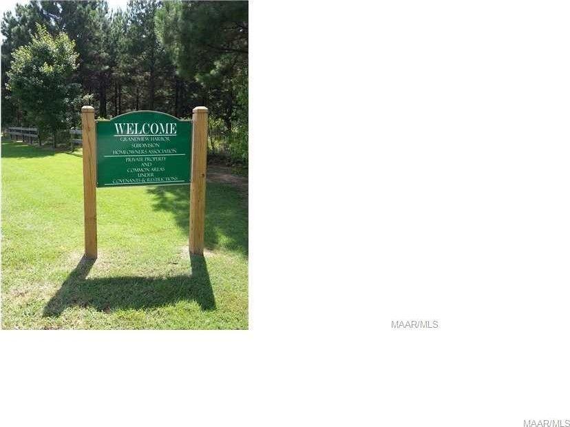 2043 Robinson Pond Rd, Prattville, AL 36067