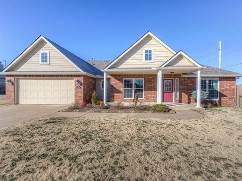 Photo of 5102 Bahama Ave, Sand Springs, OK 74063