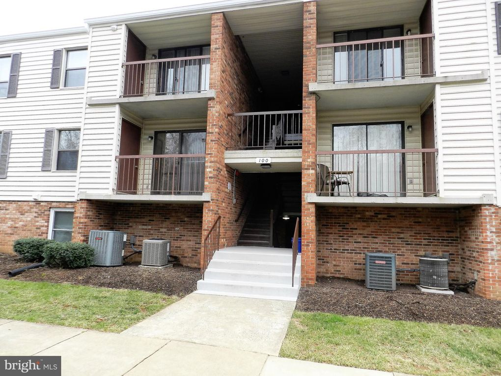 100 Buckingham Ln Apt 202, Stafford, VA 22556