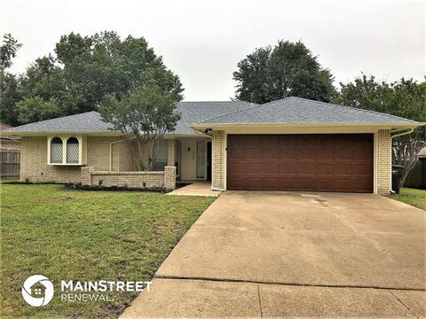 Photo of 3305 Lawndale Ave, Fort Worth, TX 76133
