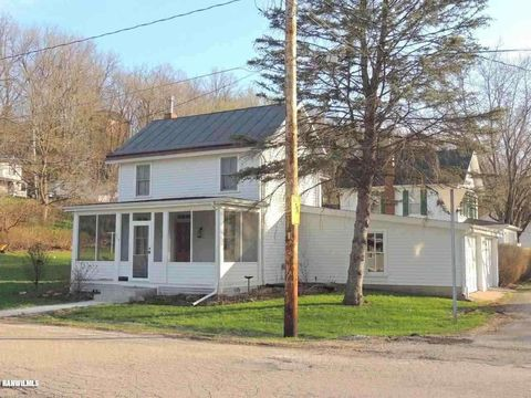 209 Jefferson St, Galena, IL 61036