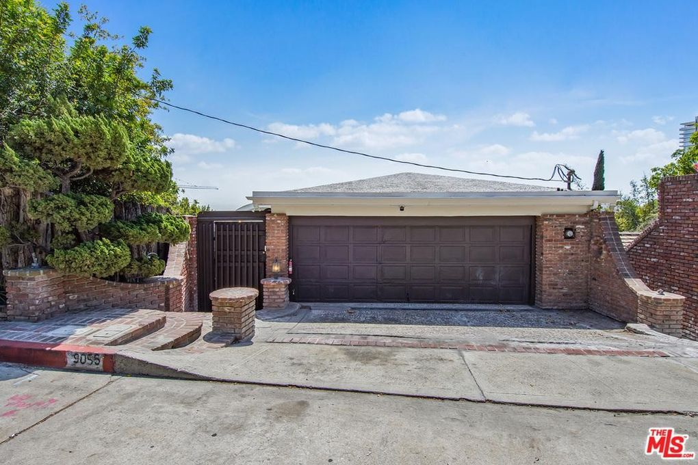 9056 St Ives Dr Los Angeles Ca 90069