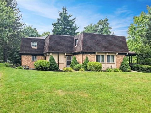 Photo of 1831 Duncan Ave Unit 2, McCandless Township, PA 15101