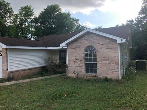 Photo of 6192 Hayes Dr, Crestview, FL 32539