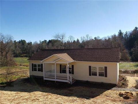 1390 Stanwood Dr, Hendersonville, NC 28792