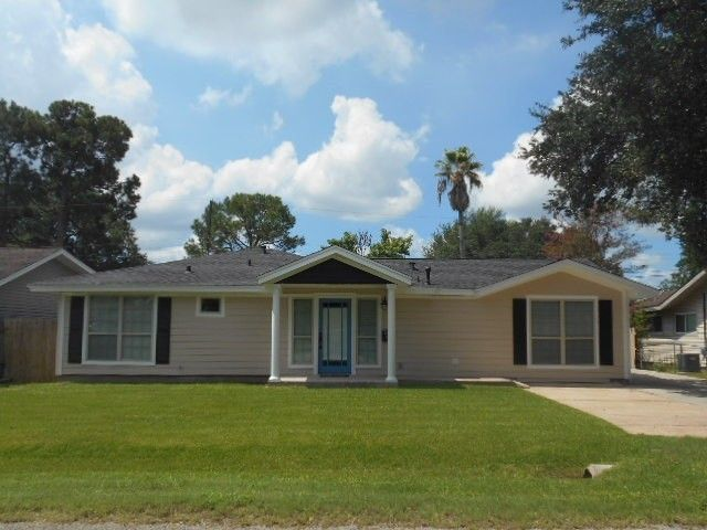 308 s 4th 1 2 st nederland tx 77627 home for sale and real estate listing
