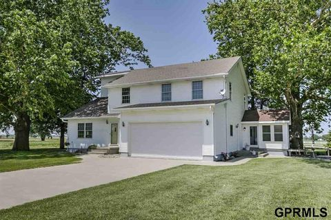 17493 Hammond Ave, Pacific Junction, IA 51561