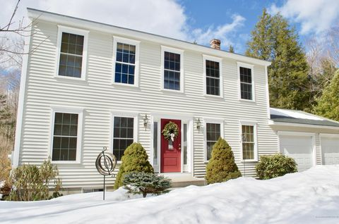 Photo of 11 Briarwood Dr, New Gloucester, ME 04260