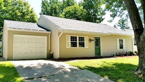 2008 15th Ave, Sterling, IL 61081