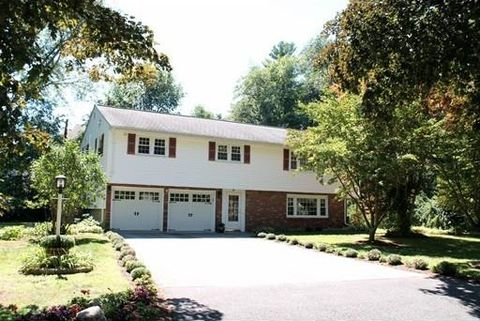 9 Azalea Dr Burlington Ma 01803 2 Beds 3 Baths Home Details