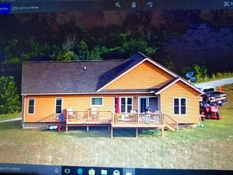 Photo of 52 Lakeview Ter, Horner, WV 26372
