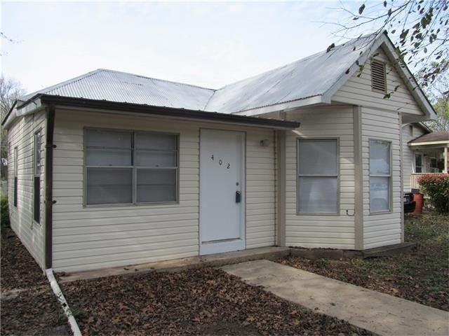 402 lee st smithville tx 78957 home for sale real
