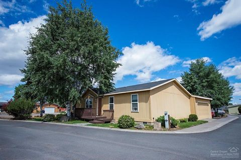 1213 Sw Currant Rd, Redmond, OR 97756