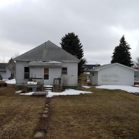 203 Charger Ave, Hayti, SD 57241