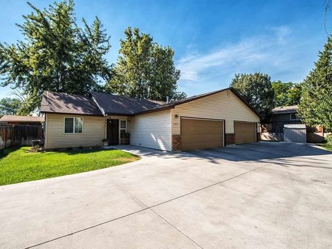 6896 6900 W Poplar St, Boise, ID 83704