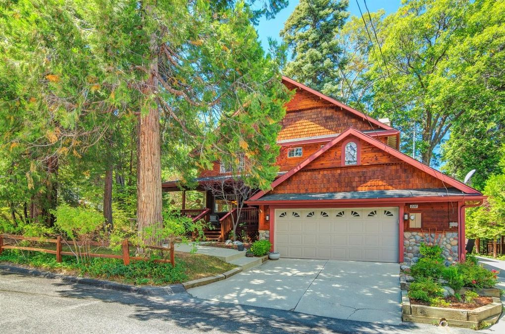 228 Chippewa Ln, Lake Arrowhead, CA