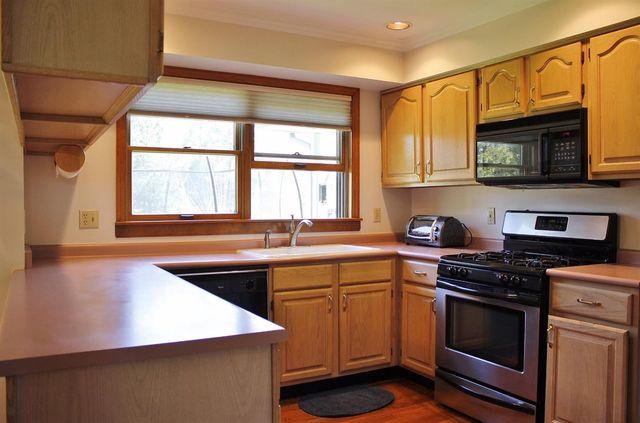 10870 Grog Run Rd, Hamilton Township, OH 45140 - Kitchen