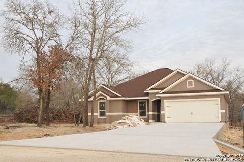 Photo of 325 Eaglerock, Poteet, TX 78065