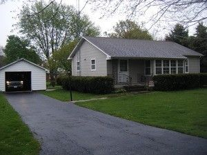 350 N Maple St, Waterman, IL 60556