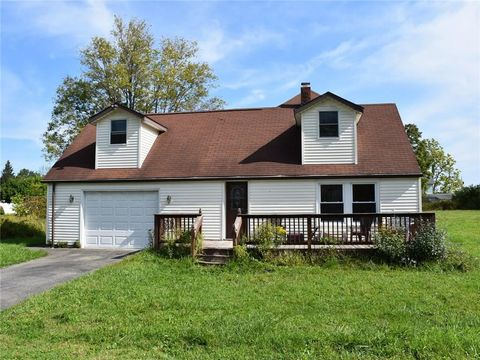 Photo of 812 Beach Ave, Cambridge Springs, PA 16403