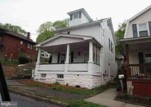 Photo of 1807 5th St, Altoona, PA 16601