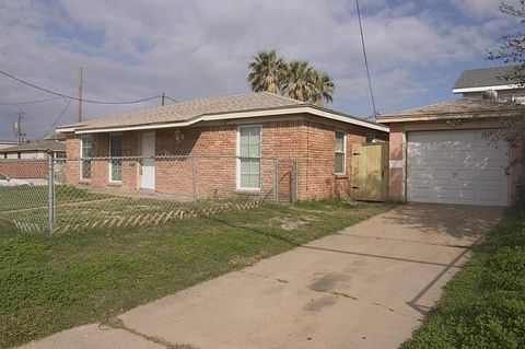 1102 57th St, Galveston, TX 77551