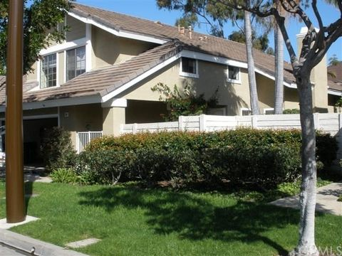 32 Summerwind, Irvine, CA 92614