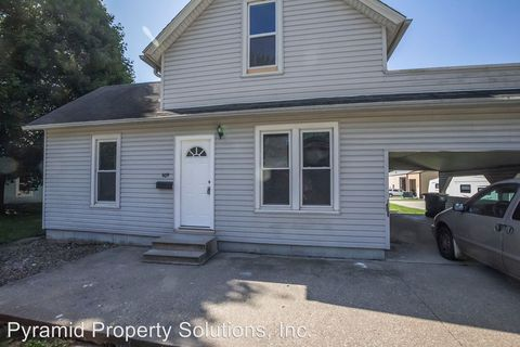Photo of 609 E 1st Ave, Indianola, IA 50125