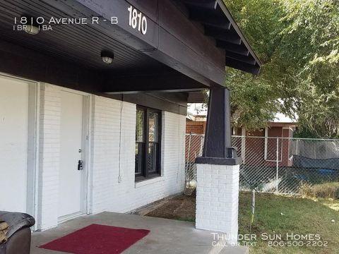 Photo of 1810 Avenue R Apt B, Lubbock, TX 79401