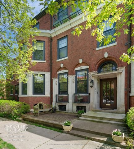 Photo of 4901 S Woodlawn Ave, Chicago, IL 60615