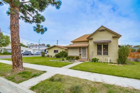 95 W 48th St Long Beach Ca 90805 House For