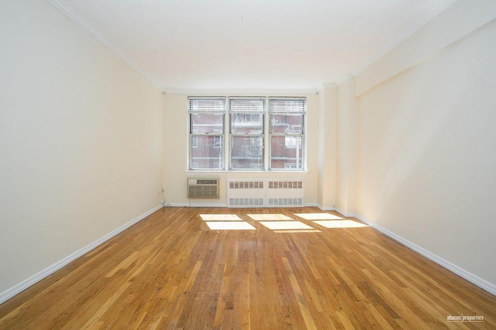 855 E 7th St Apt 3 J, Brooklyn, NY 11230
