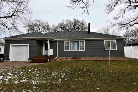 Photo of 109 N 5th St, Canton, KS 67428