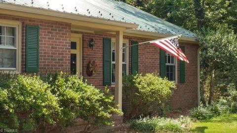 208 Ransom Rd, Winston Salem, NC 27106