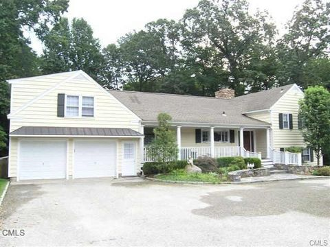 4 Forest Dr, Westport, CT 06880