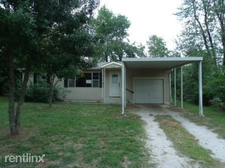 Photo of 4239 W Maple St, Springfield, MO 65802