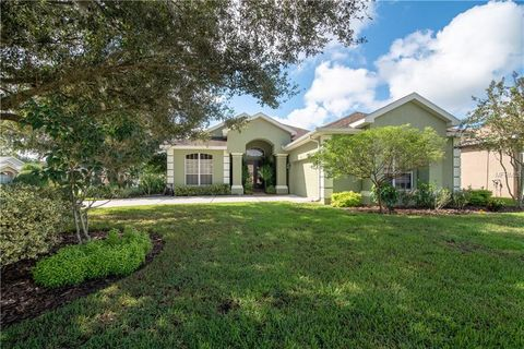 Photo of 12418 Forest Highlands Dr, Dade City, FL 33525