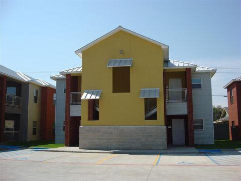 Photo of 501 Shiloh Dr Apt 504, Laredo, TX 78045