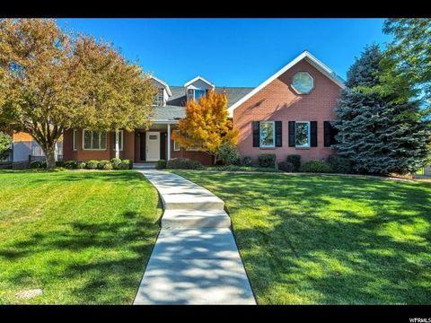 8015 S Danish Oaks Dr, Cottonwood Heights, UT 84093