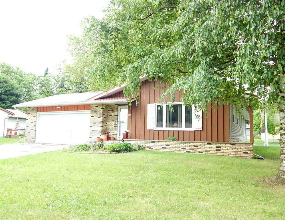 1109 Laurie Dr Fort Atkinson, WI 53538