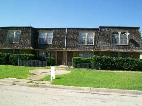 6330 Walraven Cir Fort Worth TX 76133