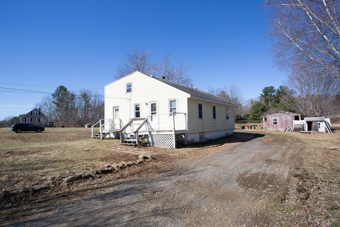 Photo of 45 Cutts Rd, Kittery, ME 03904
