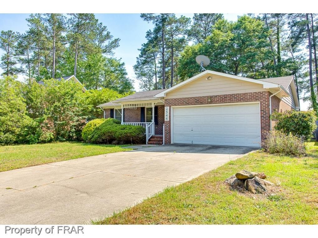 2544 Painters Mill Dr, Fayetteville, NC 28304