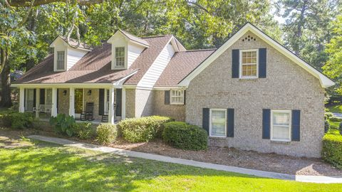 Photo of 421 Lakeview Dr, Summerville, SC 29485