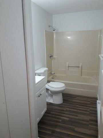 Bathroom Fixtures Worcester Ma 20 warner ave unit 1 e, worcester, ma 01604 - realtor®