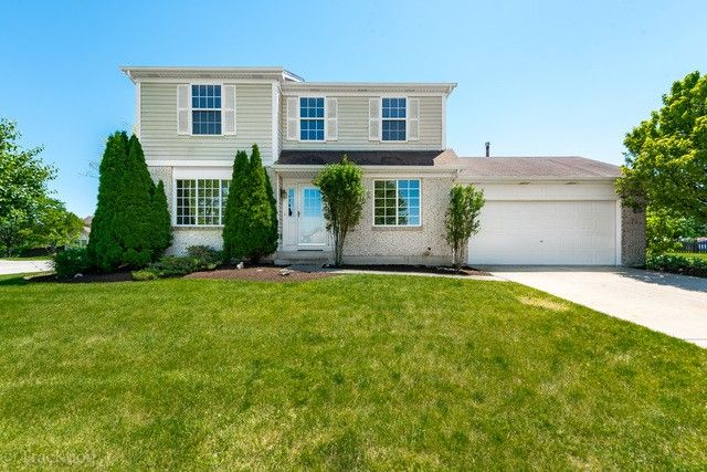 75 Bedford Ave Sugar Grove IL 60554