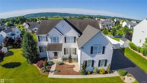 6596 Arbordeau Ln, Lower Macungie Township, PA 18062