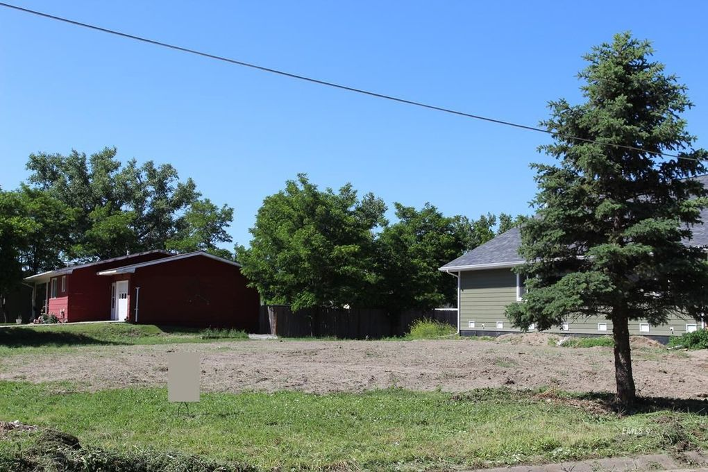 401 S Earling Ave, Miles City, MT 59301