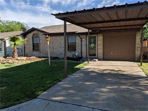 Photo of 1805 Lakeview Dr, Grand Prairie, TX 75051